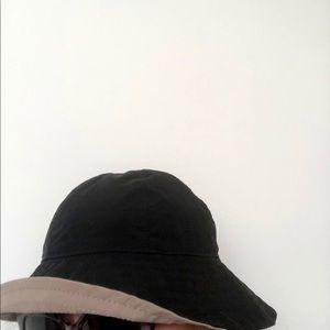Reversible ladies hat
